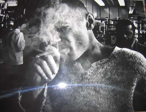 janekcigarette.jpg